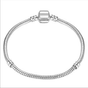 21cm silver plated snake chain charm bracelet